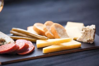 Saphouse Meadery's Tasting Room serves local foods