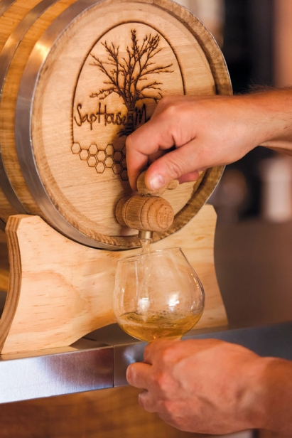 Mead pulled from barrels